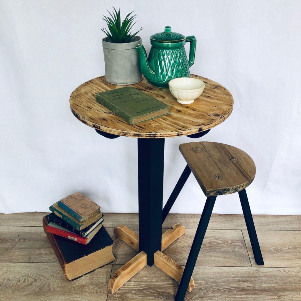 Table-bistrot-bois-noir_01