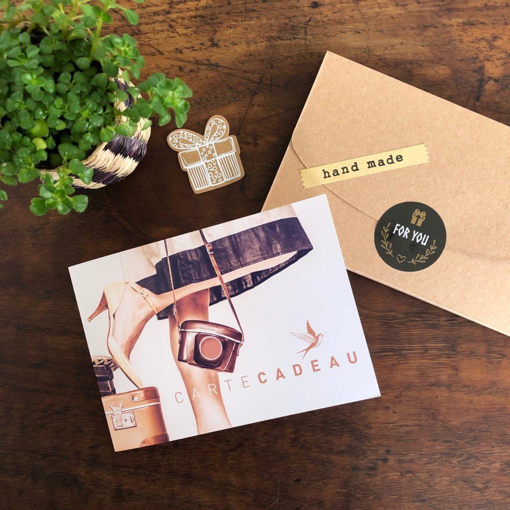 carte-cadeau-ma-valise-en-carton-01