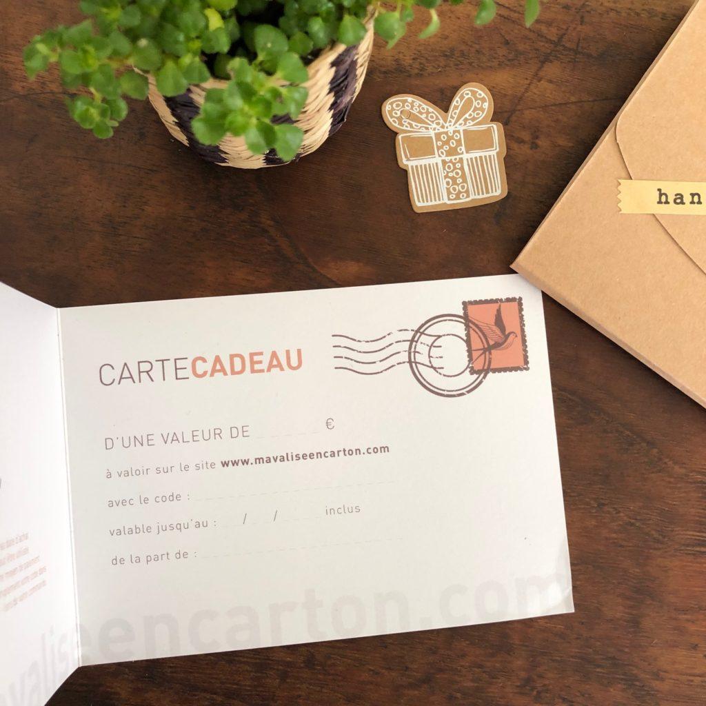carte-cadeau-ma-valise-en-carton-03